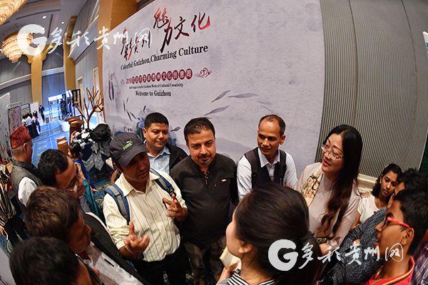 一堂生动的中文课开在了尼泊尔多彩贵州文化创意周现场